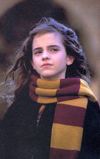 赫敏·格兰杰扮演者_从前的赫敏·简·格兰杰从12岁的青涩到如今